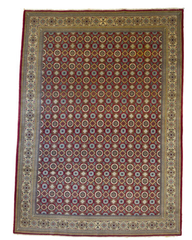 Varamin Carpet (People of the Islamic Republic of Iran)